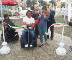 spiaggia accessibile sestri levante 300x250 -  Inaugurata a Sestri Levante la spiaggia libera e attrezzata per diversamente abili