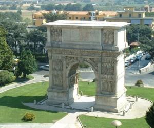 arco di traiano big 300x250 - Quattro Itinerari Accessibili a Tutti a Benevento da ArteViva