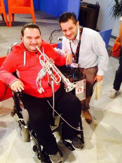 vincenzo deluci italiaccessibile 487x650 - Vincenzo Deluci: la tromba, la musica e la sua rivincita oltre la disabilità