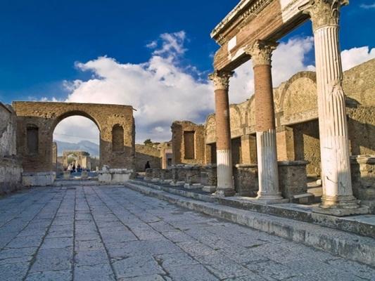 """""""Pompei per Tutti"""" il progetto per rendere gli scavi accessibili"""