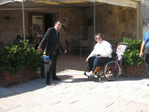 viaggiaredisabili matera 300x225 - Come scegliere le strutture ricettive accessibili. I consigli di Viaggiare Disabili