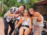 La ballerina con disabilità Federica Bambaci con Simone y Danila